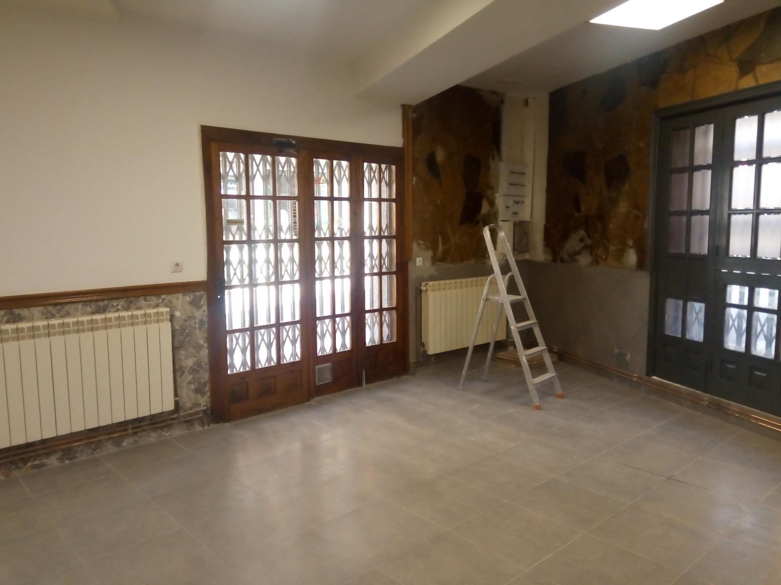 reforma completa bar sallent, suelo, paredes, instalaciones